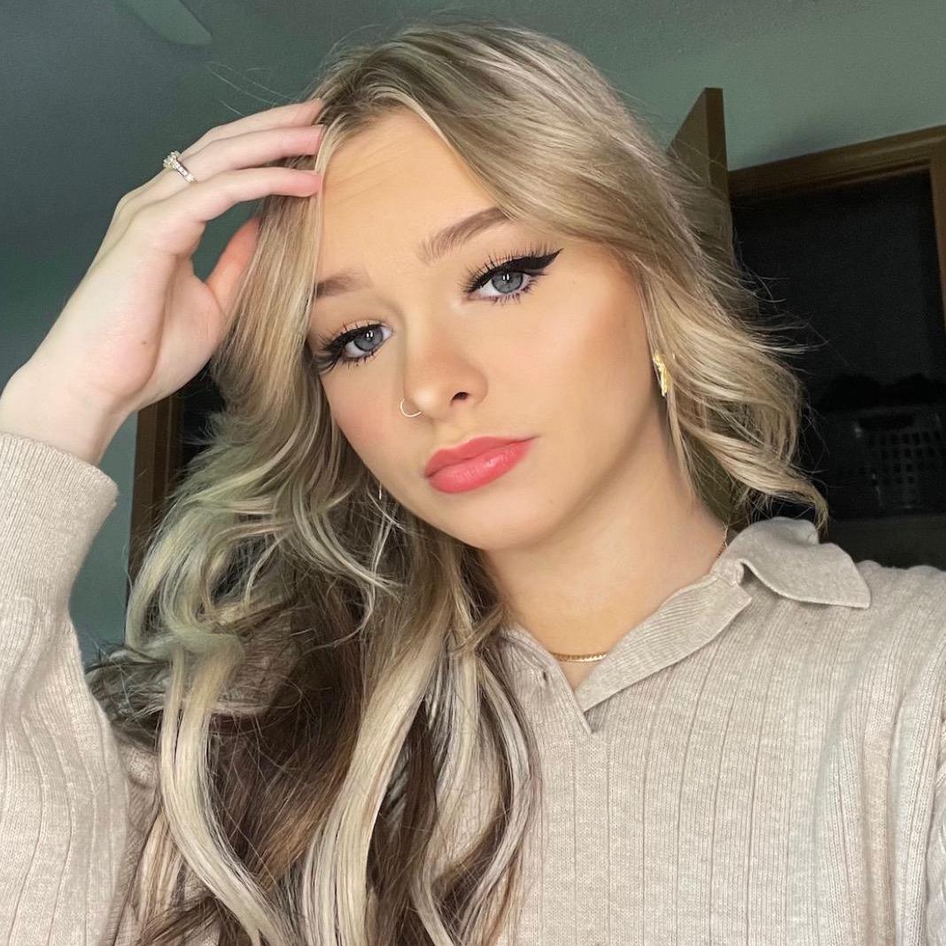 Zoe LaVerne TikTok avatar