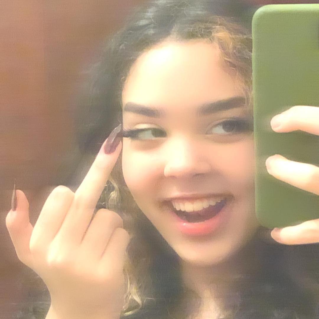 Lola TikTok avatar