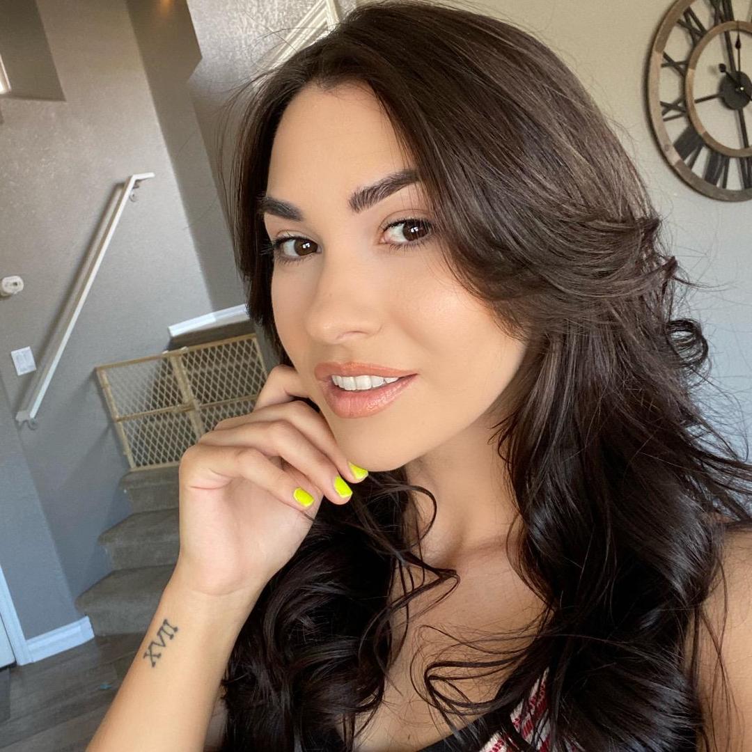 Brooke TikTok avatar