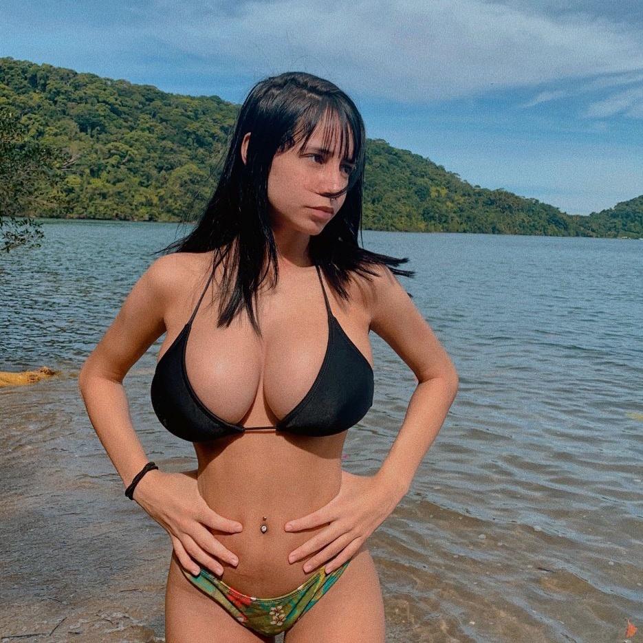 Júlia Lopes TikTok avatar