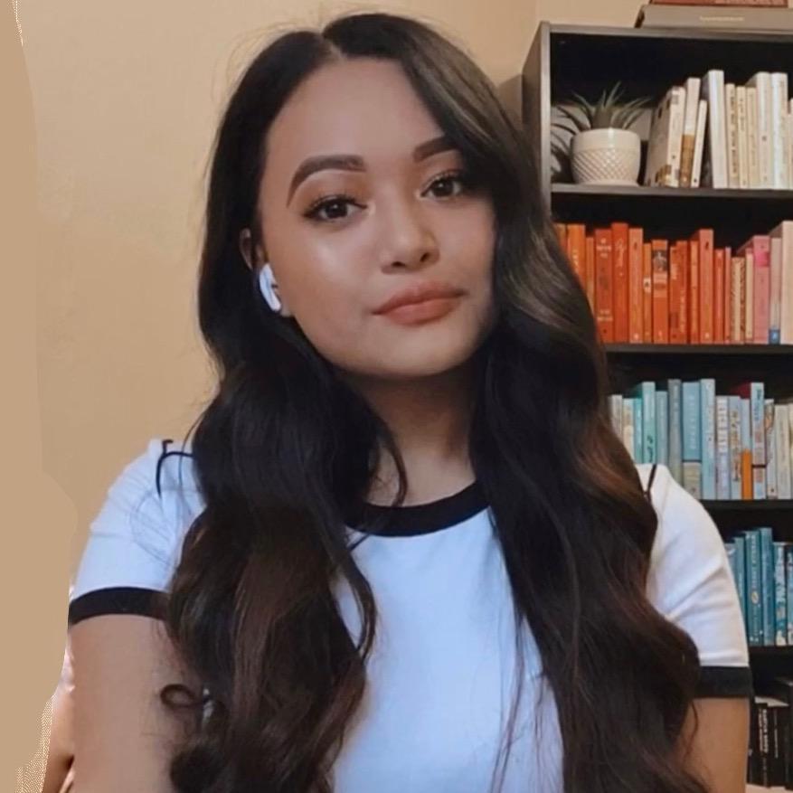 Marianne 📚 TikTok avatar