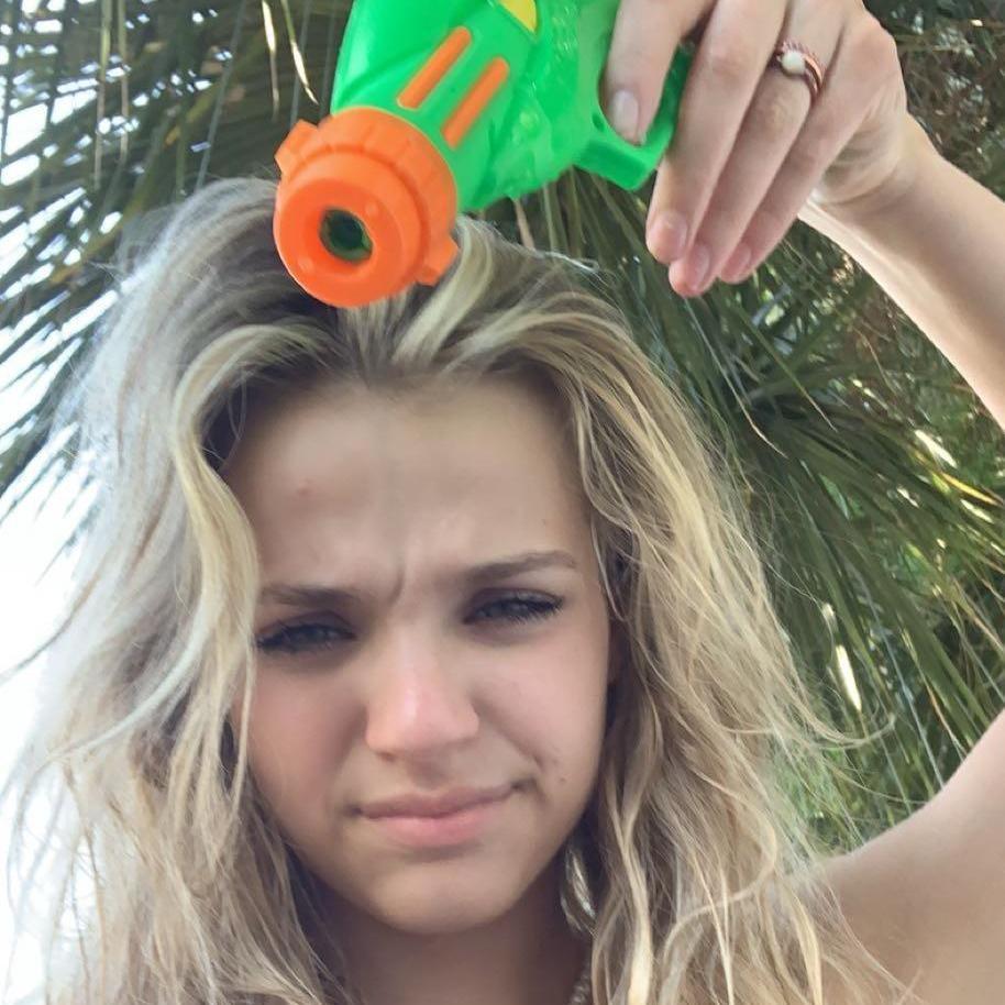 dumb blonde! TikTok avatar