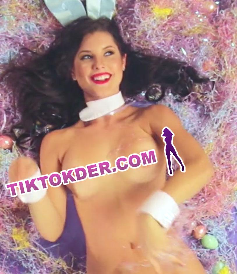 Nude Amanda Cerny